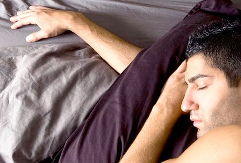 болі в спині після сну