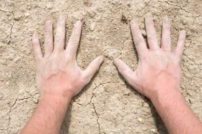 Що робити, коли німіють пальці