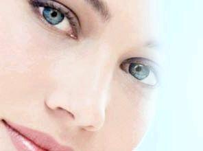 Дієві методи, які допоможуть підкреслити або змінити розріз очей