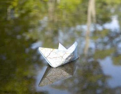 Робимо простий кораблик з паперу разом з дітьми