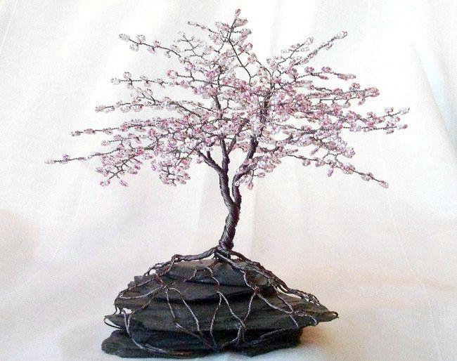 Квітучі дерева з бісеру