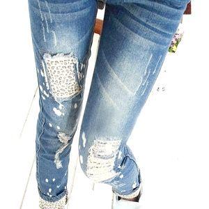 Зухвало і модно - джинси з дірками