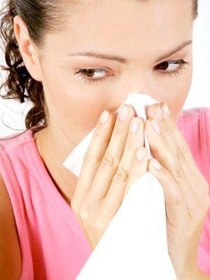 чому тече вода з носа