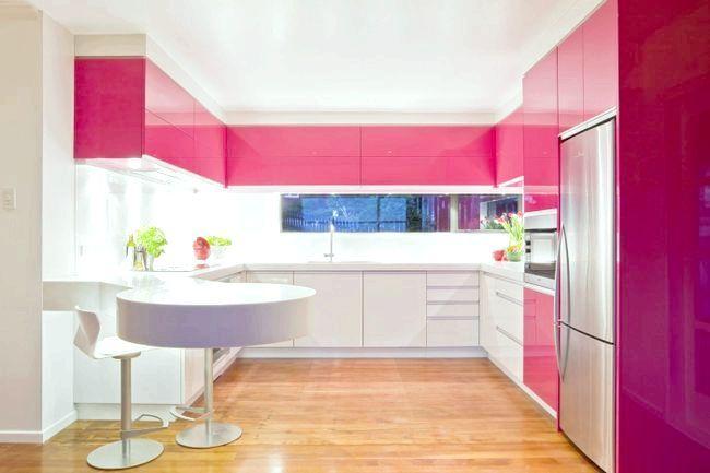Колір кухні фуксія
