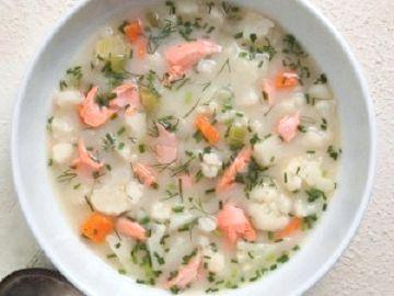 рибний суп з горбуші