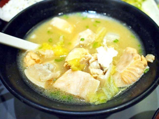 рибний суп з горбуші консервованої
