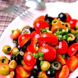 салат з помідорами чері