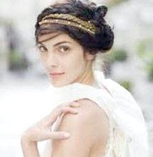 Грецька зачіска з пов'язкою