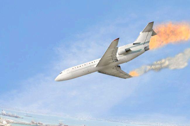 до чого сниться літак падаючий