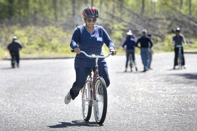 Навчитися їздити на велосипеді дорослому