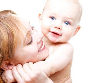 щомісячну допомогу по догляду за дитиною