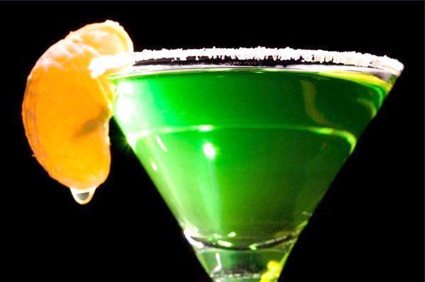 Як правильно пити абсент? Згадаймо забуті правила