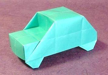 Як зробити з паперу машину, щоб порадувати маленького синочка