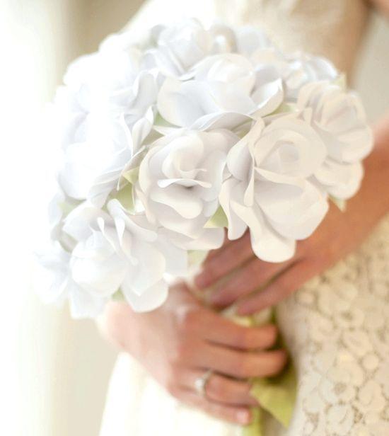 зробити квіти з гофрованого паперу