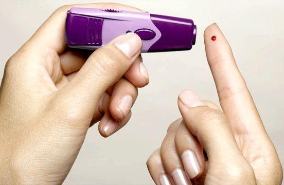 Як знизити цукор в крові народними засобами і медичними препаратами?
