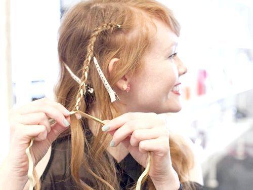 Коса зі стрічкою