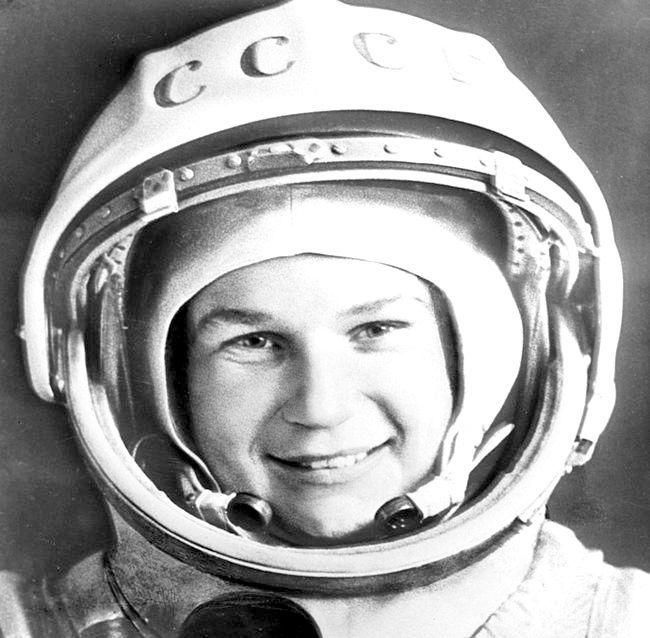 перша людина полетів в космос