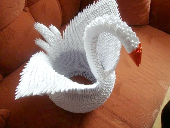 Зробити з паперу лебедя