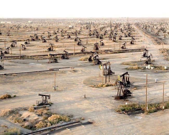 розробка родовища нафти