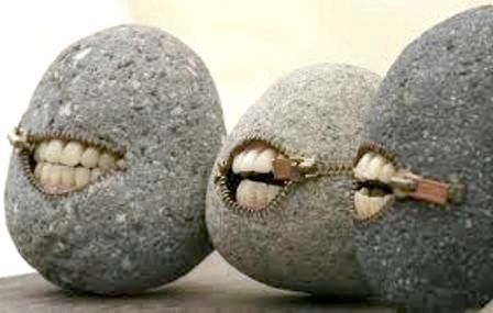 Найшла коса на камінь. Значення