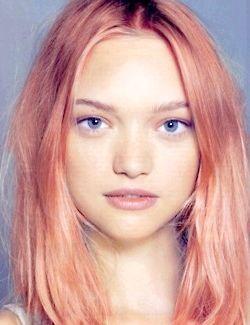 персиковий колір
