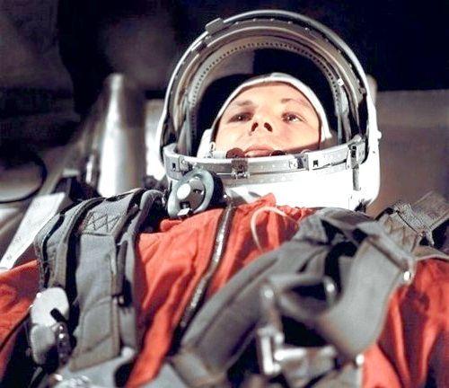 Гагарін перший в космосі