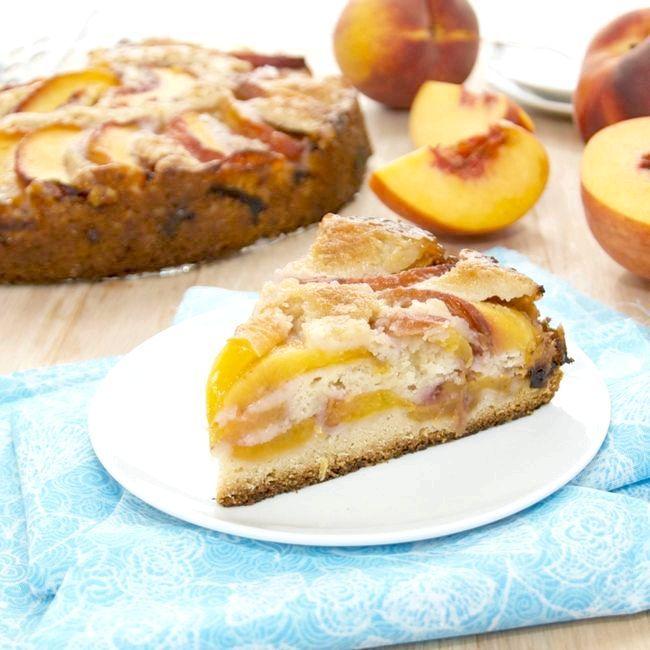 пиріг з косервірованнимі персиками