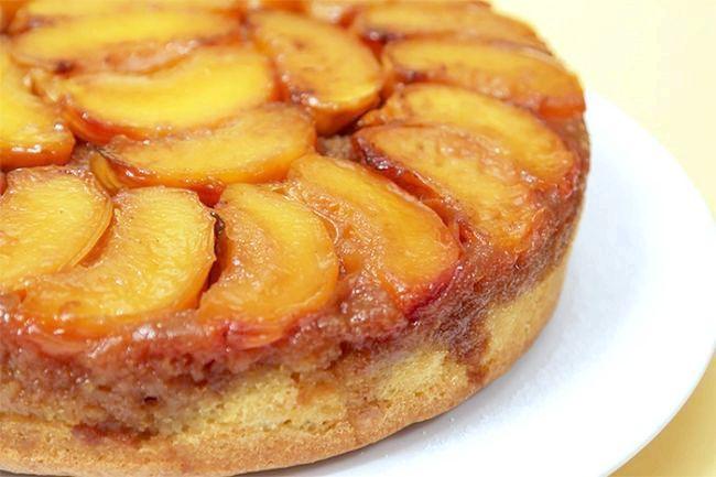 пиріг з персиками і сиром