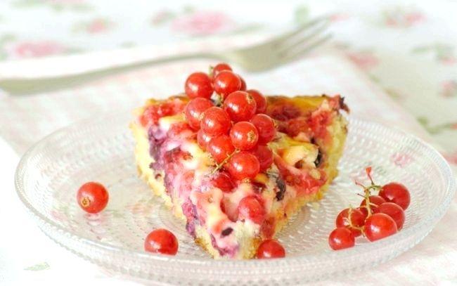 пиріг зі смородиною рецепт