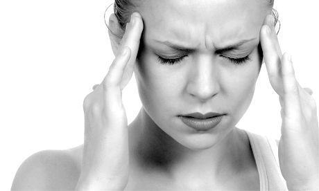 Пульсуючий біль в голові: з чим вона пов'язана і як її усунути?
