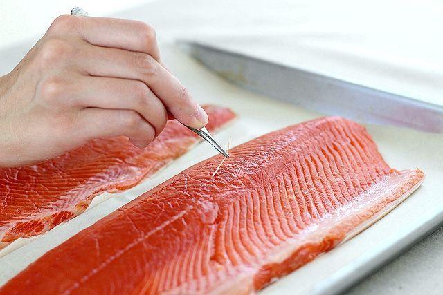 Оброблення риби на філе