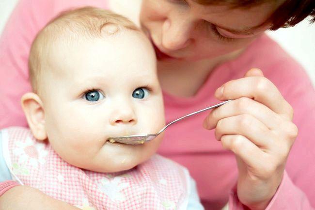 дитина 7 місяців розвиток харчування