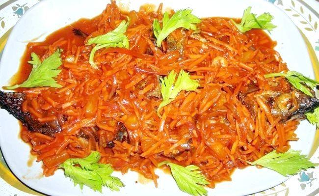 Риба тушкована з овочами - оновлене блюдо