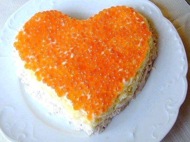 салат з червоною ікрою креветками