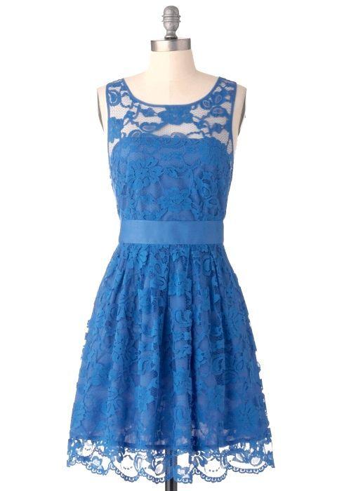 Синє коктейльне плаття