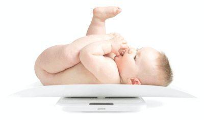 Скільки має додавати у вазі новонароджений і дитина до року