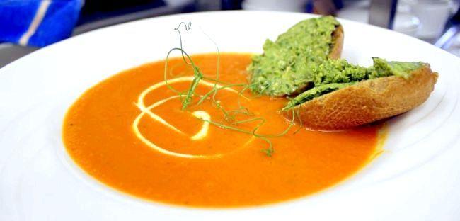Вершковий крем суп з лососем