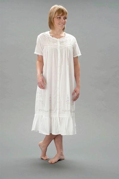 Довга жіноча нічна сорочка