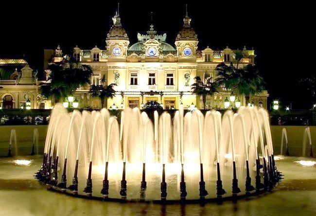 Площа Казино в Монако