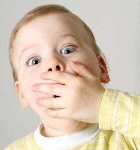 запах з рота у дитини причини