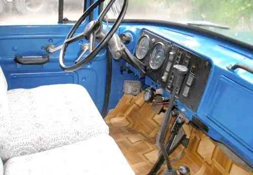 автомобіль ЗІЛ 130