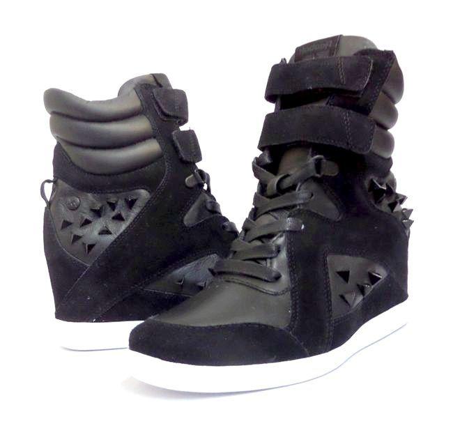 зимові жіночі кросівки reebok